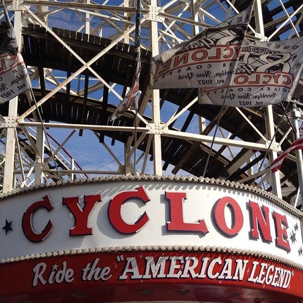 Foto tomada en The Cyclone por Conrad D. el 7/14/2012