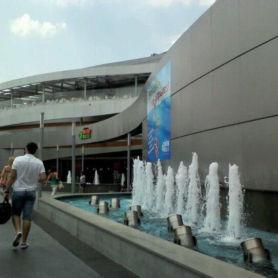รูปภาพถ่ายที่ Athens Metro Mall โดย Tina K. เมื่อ 7/27/2012