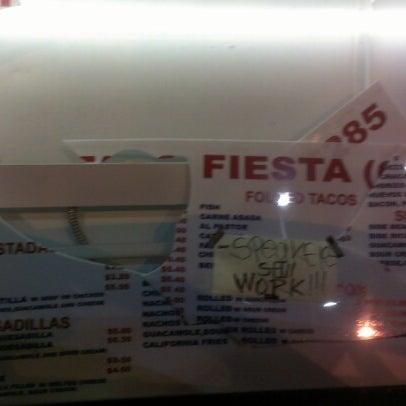 Foto tomada en Taco Fiesta por Nicholas E. el 7/30/2012