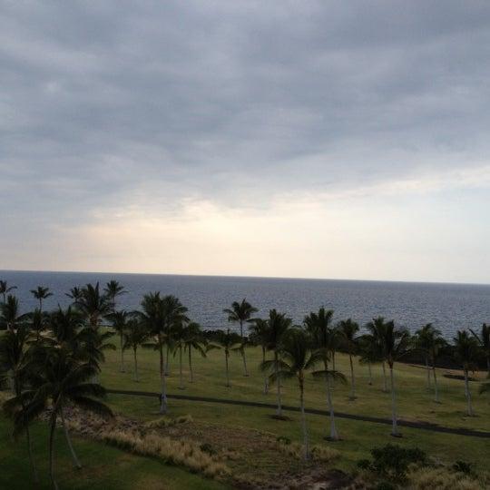 Foto tomada en Hilton Waikoloa Village por Jamie O. el 4/26/2012