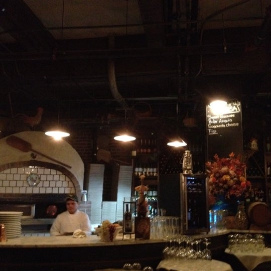 2/11/2012에 Ezra S.님이 Covo Trattoria에서 찍은 사진