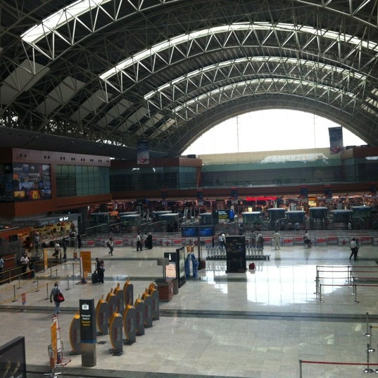 Foto diambil di İstanbul Sabiha Gökçen Uluslararası Havalimanı (SAW) oleh A. Hakan B. pada 9/4/2012
