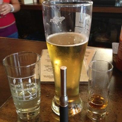 Das Foto wurde bei Square One Brewery & Distillery von Josh H. am 8/10/2012 aufgenommen
