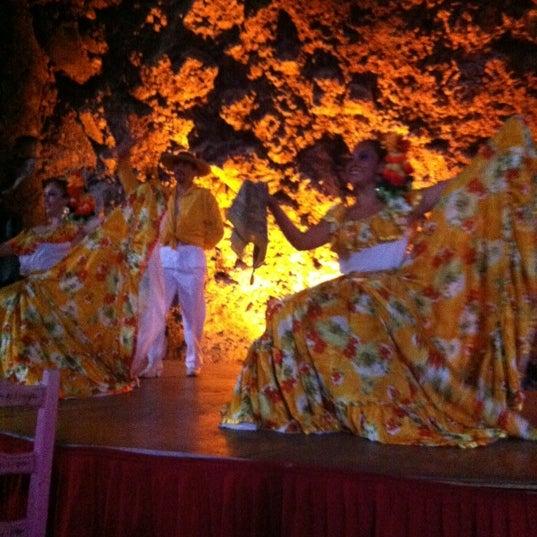 Foto tomada en La Gruta Restaurant por Guía CDMX el 6/24/2012