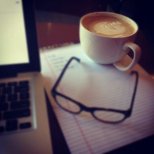 Снимок сделан в Mars Cafe пользователем Abbie T. 6/5/2012