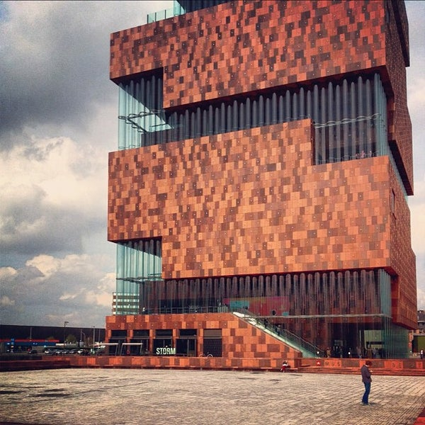 Foto tirada no(a) MAS | Museum aan de Stroom por Amaury V. em 4/14/2012