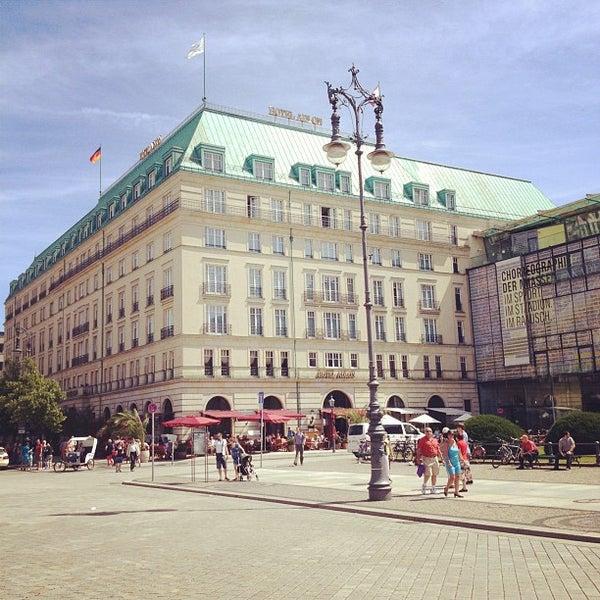 7/23/2012에 Flavio C.님이 Hotel Adlon Kempinski Berlin에서 찍은 사진