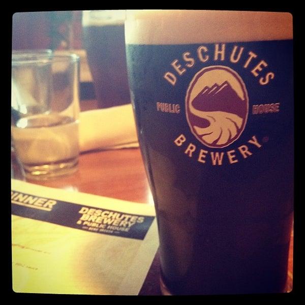 Снимок сделан в Deschutes Brewery Bend Public House пользователем Shane M. 6/23/2012