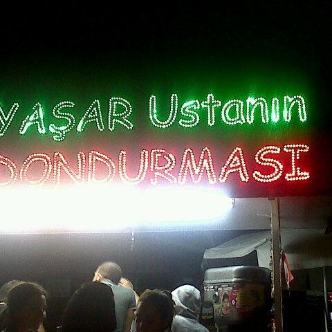 Foto tirada no(a) Dondurmacı Yaşar Usta por Bekir Can A. em 8/27/2012
