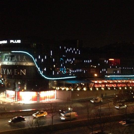 4/9/2012 tarihinde Can C.ziyaretçi tarafından A Plus Ataköy'de çekilen fotoğraf