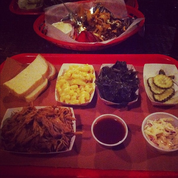 รูปภาพถ่ายที่ Mable's Smokehouse & Banquet Hall โดย Anna S. เมื่อ 4/11/2012