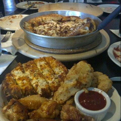 8/8/2012にByron M.がJoey's Pizzeriaで撮った写真