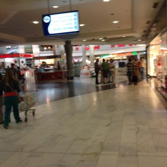 Foto tomada en CarrefourSA Karşıyaka AVM por Adalı el 6/24/2012