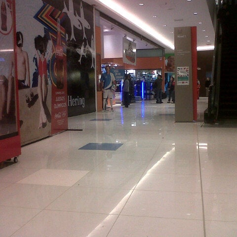 Foto tirada no(a) Costa Urbana Shopping por Federico Ignacio M. em 7/12/2012