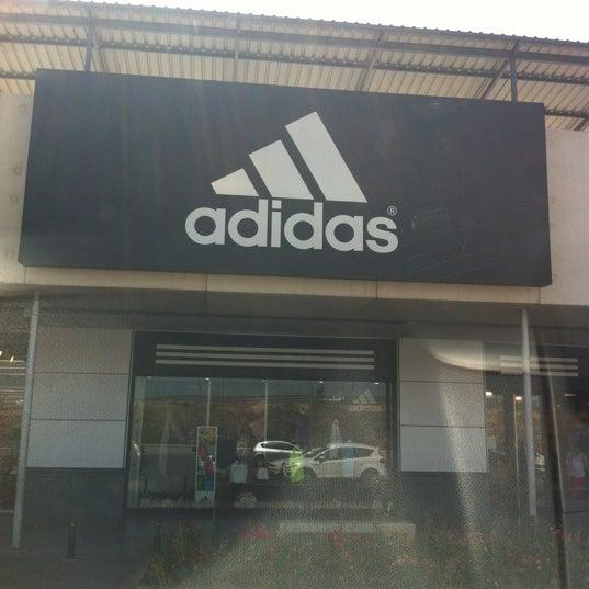 Whitney Soltero Capilares  Adidas Outlet Store - Tienda de artículos deportivos en Camas