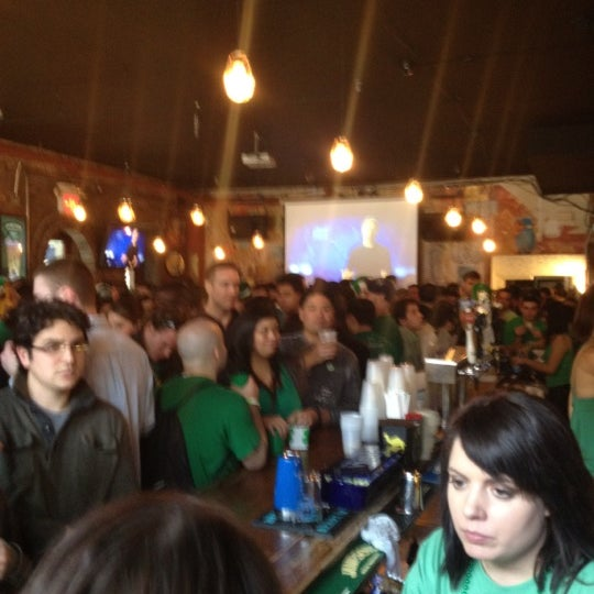 3/17/2012에 Crystal B.님이 Opal Bar & Restaurant에서 찍은 사진