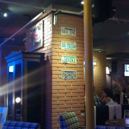 Foto diambil di Diesel Pub oleh Kemal Gökhan U. pada 9/12/2012