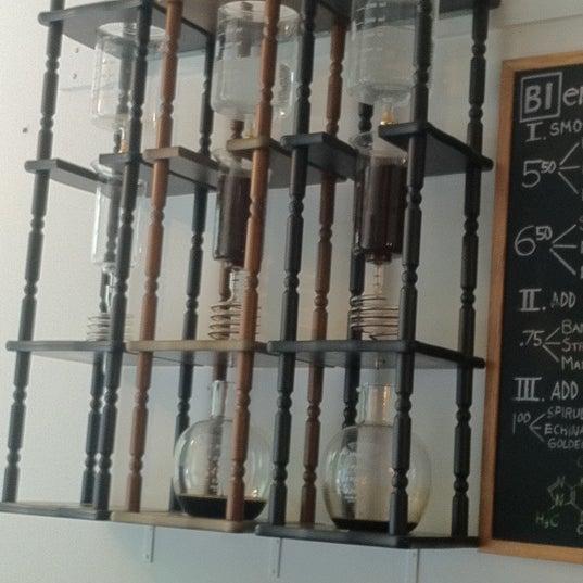 Photo prise au WTF Coffee Lab par kevin g. le4/20/2012
