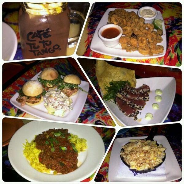 Foto diambil di Café Tu Tu Tango oleh Rachelle pada 5/30/2012