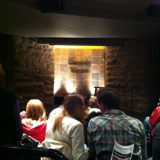 2/24/2012 tarihinde Courtney B.ziyaretçi tarafından Comedy Works Downtown in Larimer Square'de çekilen fotoğraf