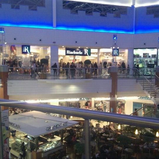 Снимок сделан в Floripa Shopping пользователем Aislan M. 6/10/2012