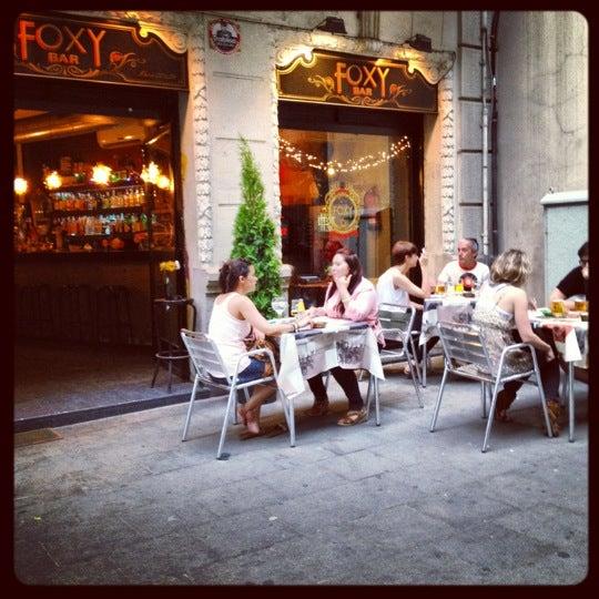 Foto diambil di Foxy Bar oleh Rafael G. pada 6/9/2012