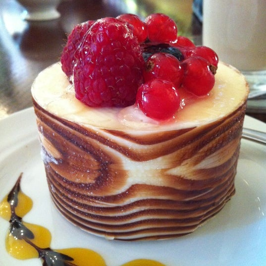 Photo taken at Tea & Coffee garden by Elena E. on 8/17/2012