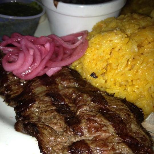 Foto tirada no(a) Cafecito por Alan Lester D. em 5/19/2012