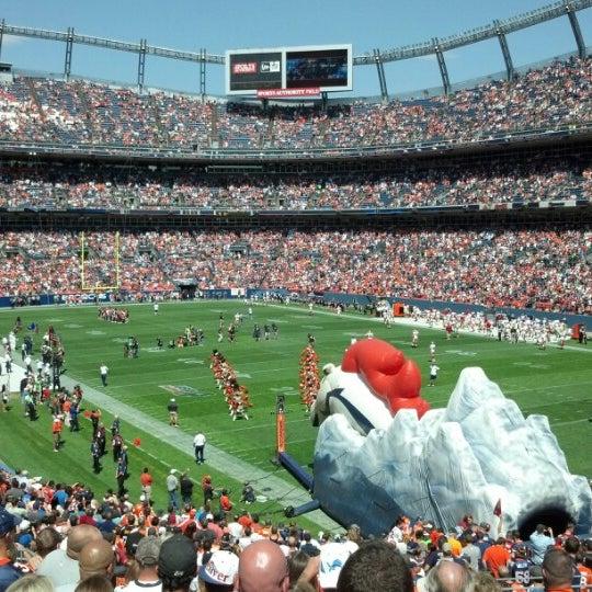 Foto diambil di Broncos Stadium at Mile High oleh Melanie pada 8/26/2012