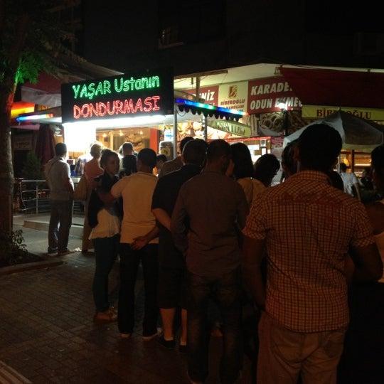 Снимок сделан в Dondurmacı Yaşar Usta пользователем Ozan T. 6/18/2012