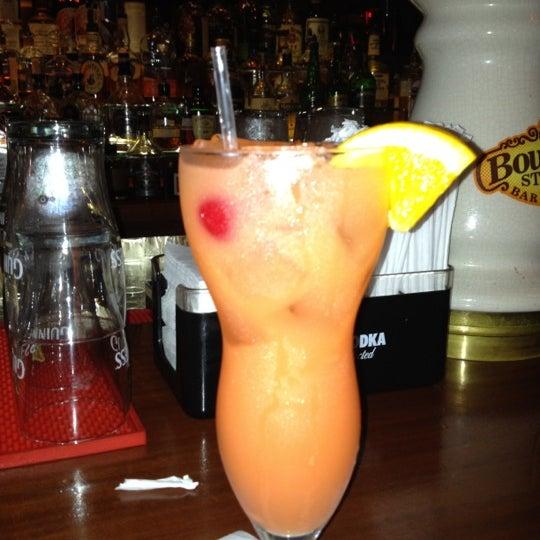 Foto tirada no(a) Bourbon Street Bar & Grille por Diana S. em 6/22/2012