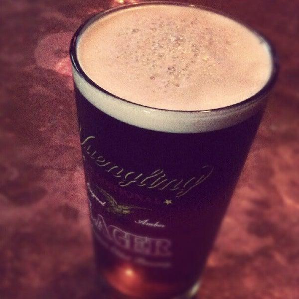 Foto tirada no(a) Bar Nine por Craig T. em 6/14/2012