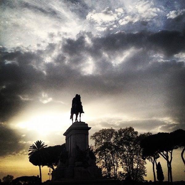 Bildresultat för garibaldi staty gianicolo