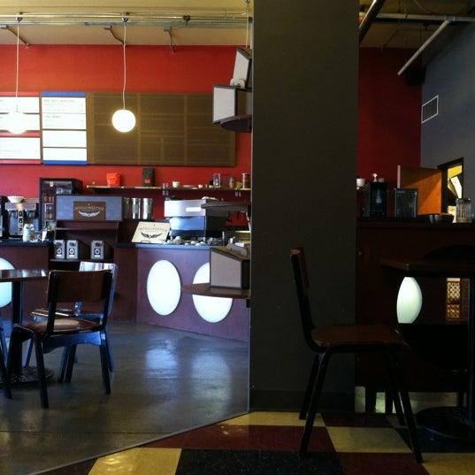 Снимок сделан в Mars Cafe пользователем John P. 8/17/2012