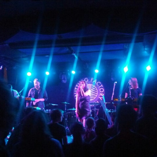 Foto tomada en Knitting Factory  por Richard C. el 6/23/2012