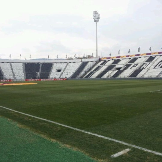 รูปภาพถ่ายที่ Toumba Stadium โดย Stavros S. เมื่อ 2/21/2012