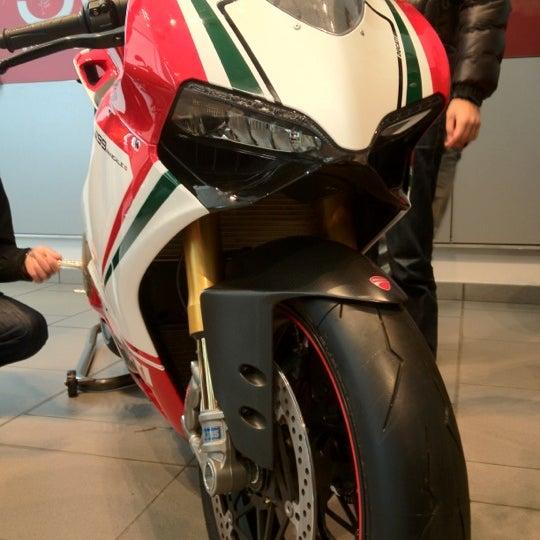 2/9/2012 tarihinde Tak I.ziyaretçi tarafından Ducati Motor Factory & Museum'de çekilen fotoğraf