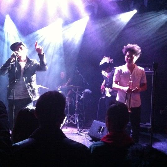 Das Foto wurde bei Le Poisson Rouge von Olivier G. am 5/12/2012 aufgenommen