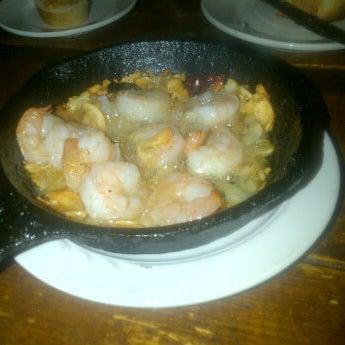 Foto scattata a Tasca Spanish Tapas Restaurant & Bar da Camille R. il 8/4/2012