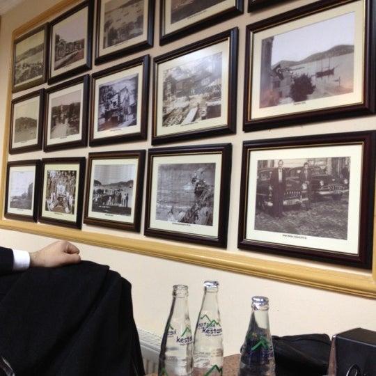 รูปภาพถ่ายที่ Pide Ban โดย Tolga E. เมื่อ 3/9/2012