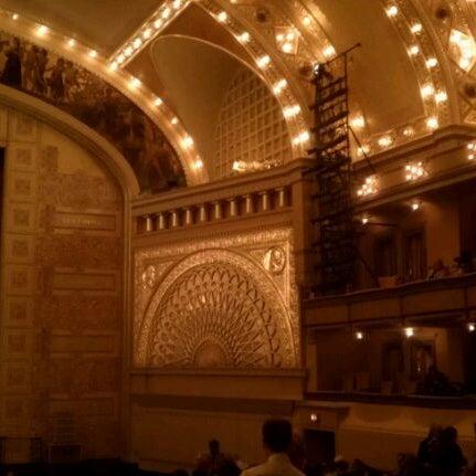 4/28/2012 tarihinde Patricia L.ziyaretçi tarafından Auditorium Theatre'de çekilen fotoğraf