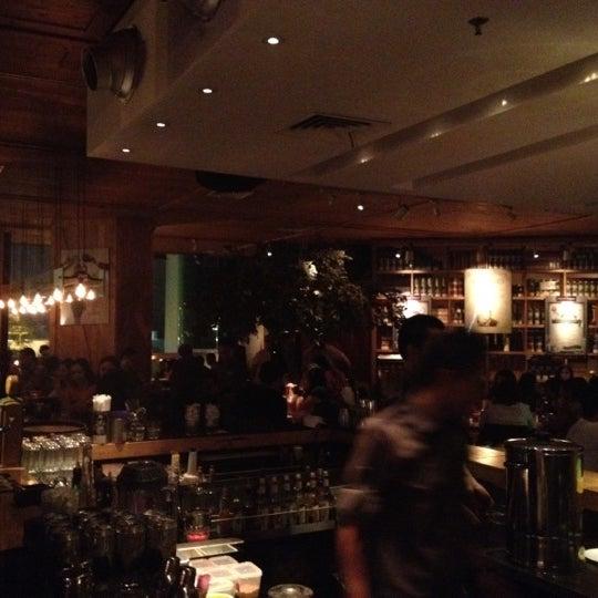 Das Foto wurde bei SOCIAL HOUSE von Von Jovi J. am 6/8/2012 aufgenommen