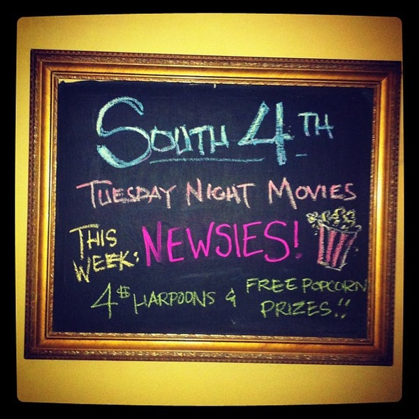 รูปภาพถ่ายที่ South 4th Bar & Cafe โดย Lana W. เมื่อ 6/27/2012
