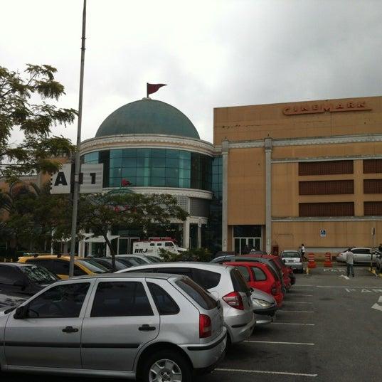 Das Foto wurde bei Grand Plaza Shopping von Fernao V. am 6/22/2012 aufgenommen