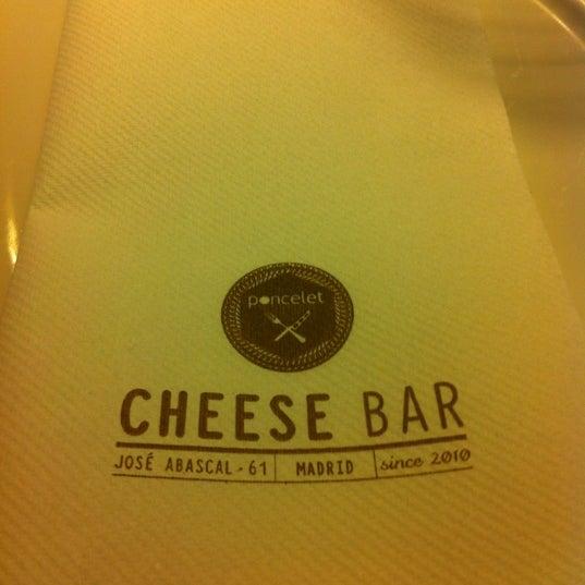 Foto scattata a Poncelet Cheese Bar da Bea R. il 3/15/2012