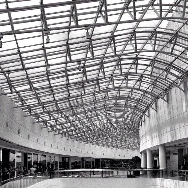 Foto tirada no(a) Shopping Palladium por Daniel B. em 3/3/2012