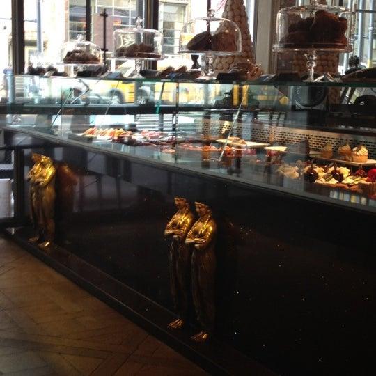 Foto tomada en Brasserie Pushkin por Elena V. el 7/27/2012