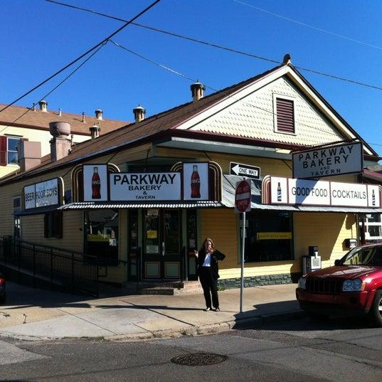 4/18/2012にScott F.がParkway Bakery & Tavernで撮った写真