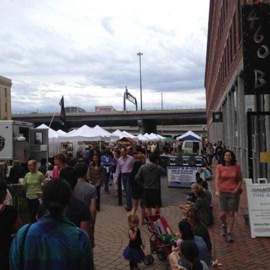Foto tirada no(a) South End Open Market @ Ink Block por Christine D. em 9/9/2012