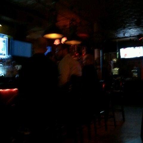 Foto tirada no(a) Bar Nine por Emilio Ignacio T. em 3/18/2012